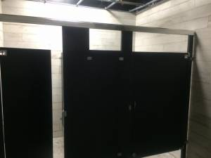 tampa restaurant bathrrom partitions